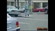 Пиян Мъж Прави Секс С Автомобил