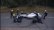 Мечка уплаши pitstop екип от F 1 Смях!