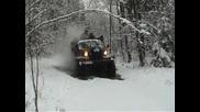 Невероятната машина Зил 157 минава през лед