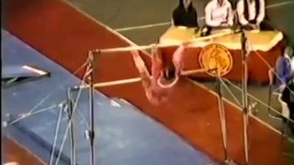 Още един гимнастик с доста голямо чувство за хумор, гледайте какво се случва тук