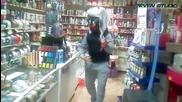 Момче танцуващо в магазин (пловдив) / част.3