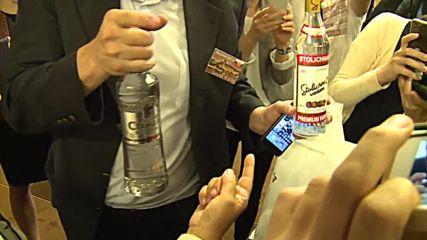 Switzerland: Lavrov hands out vodka to journalists after marathon Syria talks