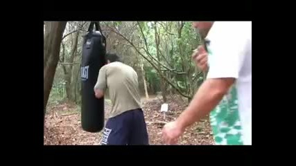 Boxing Secrets - Learn how to train with the Heavy Bag Round 1