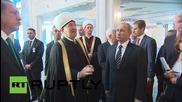 Русия: Мюфтията Гайнетдин разведе Путин из Московска катедрала