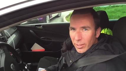 Полиция ескортира безопасно патета на пътя