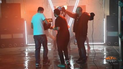 Vessy Boneva Razpalvam mikrofonitе Making the video