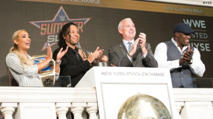 Carmella, Nakamura & Lashley ring the NYSE Closing Bell