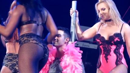 Britney танцува върху Joe Jonas ( Femme Fatale from London )