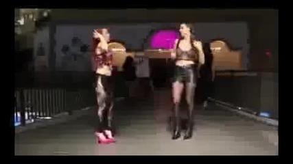 Robot Dance от момичета