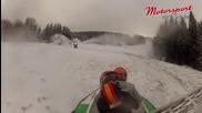 Снежна заигравка :) с ховъркрафт :):)