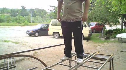 Тест на леки метални стълби