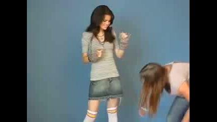 Selena Gomez, По Време На Фотосесия Vbox7