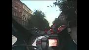 Ченге и моторист карат като луди в града