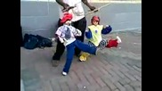 Малките латино танцьори . . .