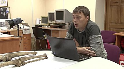 Russia: Age no obstacle to love. Ancient skeletons found holding hands