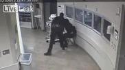Шокиращи кадри от полицейска бруталност !