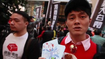 Hong Kong: Thousands rally on New Year's Day calling for Leung Chun-ying to step down