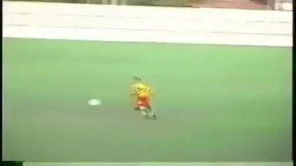Най-кривия футболист който може да съществува на този свят