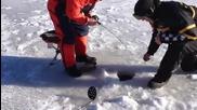 Риболов на дупка - смях