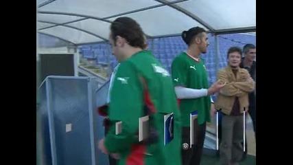 Феновете се разединиха относно завръщането на Димитър Бербатов в националния отбор