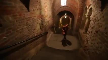 Момиче демонстрира невероятни jump умения