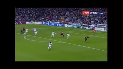 Роналдиньо в мача Реал М. - Милан 2:3