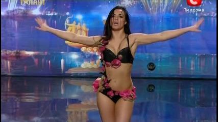 Страхотен танц на Катя в украйна търси талант - сезон 5