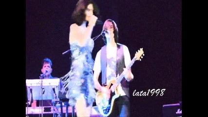 Selena Gomez // It Girl