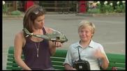 Хеликоптер играчка преследва крадец - скрита камера