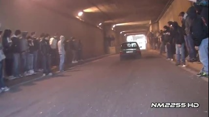 Лудаци в тунела...