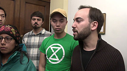 USA: Extinction Rebellion activists occupy top Democrat's office to launch hunger strike
