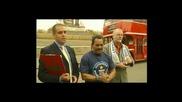 Manjit Singh дърпа автобус с ушите си (световен рекорд)