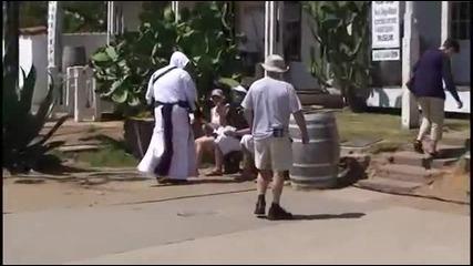 Assassin's Creed на живо Пълен смях