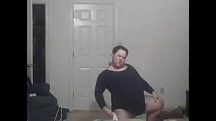 Дебелак танцува на песен на Beyonce - Смях!