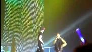 Justin Bieber & Bluey Robinson - Eenie Meenie ( London New Castle Live )