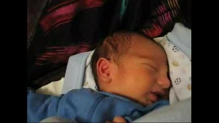 Първото Видео На Малкият Ми Син Никола