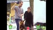 Смях ! Куче носи експлозиви ! Скрита камера !