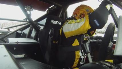 Танер Фауст-световен рекорд за най-дълъг скок с кола