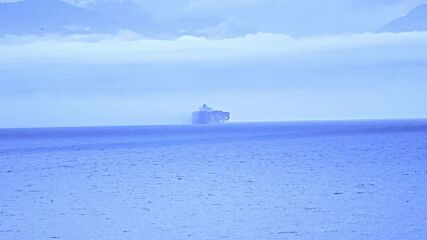 Canada: Most crew evacuated from cargo ship following container fire