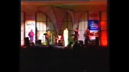 Doris Dragovic-to (live, Skopje, 1999)