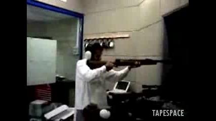 Идиоти С Оръжие (голям Смях)