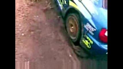 rc car върти гуми в кал