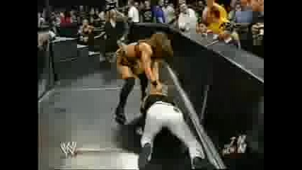 Raw.04.28.03 - Trish Stratus Vs Eric Bischoff
