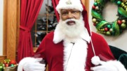 USA: Mall of America welcomes its first-ever black Santa in Bloomington amid racism row