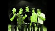 Simple Plan - No Love *lyrics*
