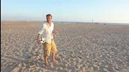 Дейвид Бекъм прави невероятни неща на плажа