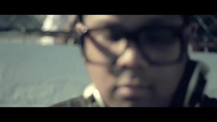 Тази песен си я бива!!! Wiz Khalifa - Black And Yellow ~![hq]!~