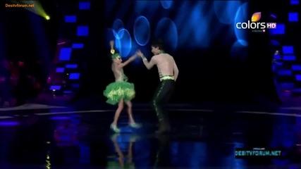 индйиски деца ще ви шашнат с танца си!