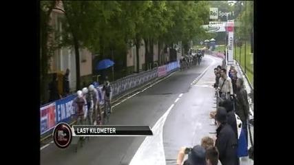 Кавендиш спечели 12-ия етап от Джирото, това беше етапна победа №100 за него