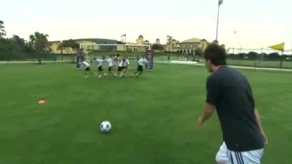 Lionel Messi vs Mickey Mouse Hq